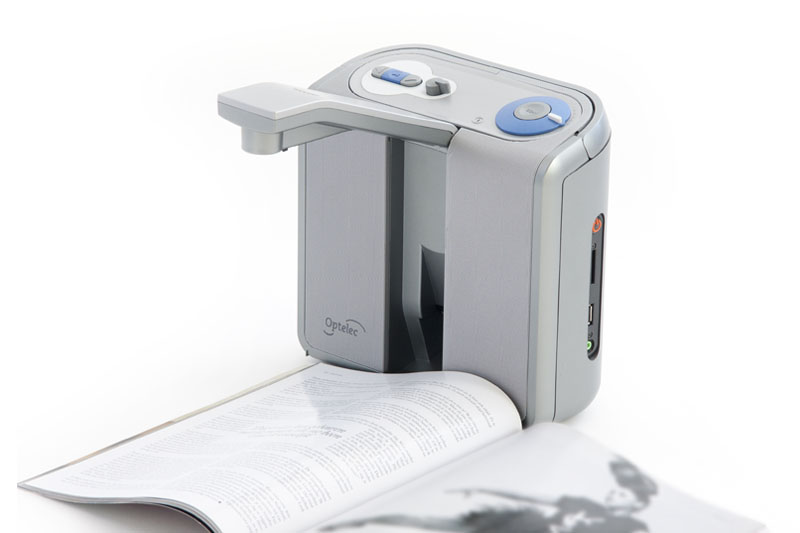audio-text-reader-clearreader-reading-a-magazine (1)