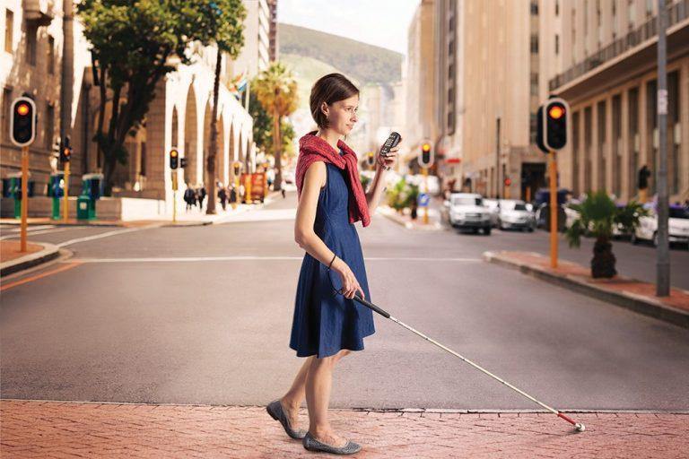 trek-_crossing_street-lr